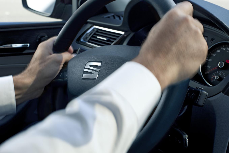 System rozpoznawania zmęczenia i asystent pasa - technologie bezpieczeństwa w SEAT LEON 5D